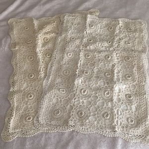 Set of 2 ivory crocheted pillow cases